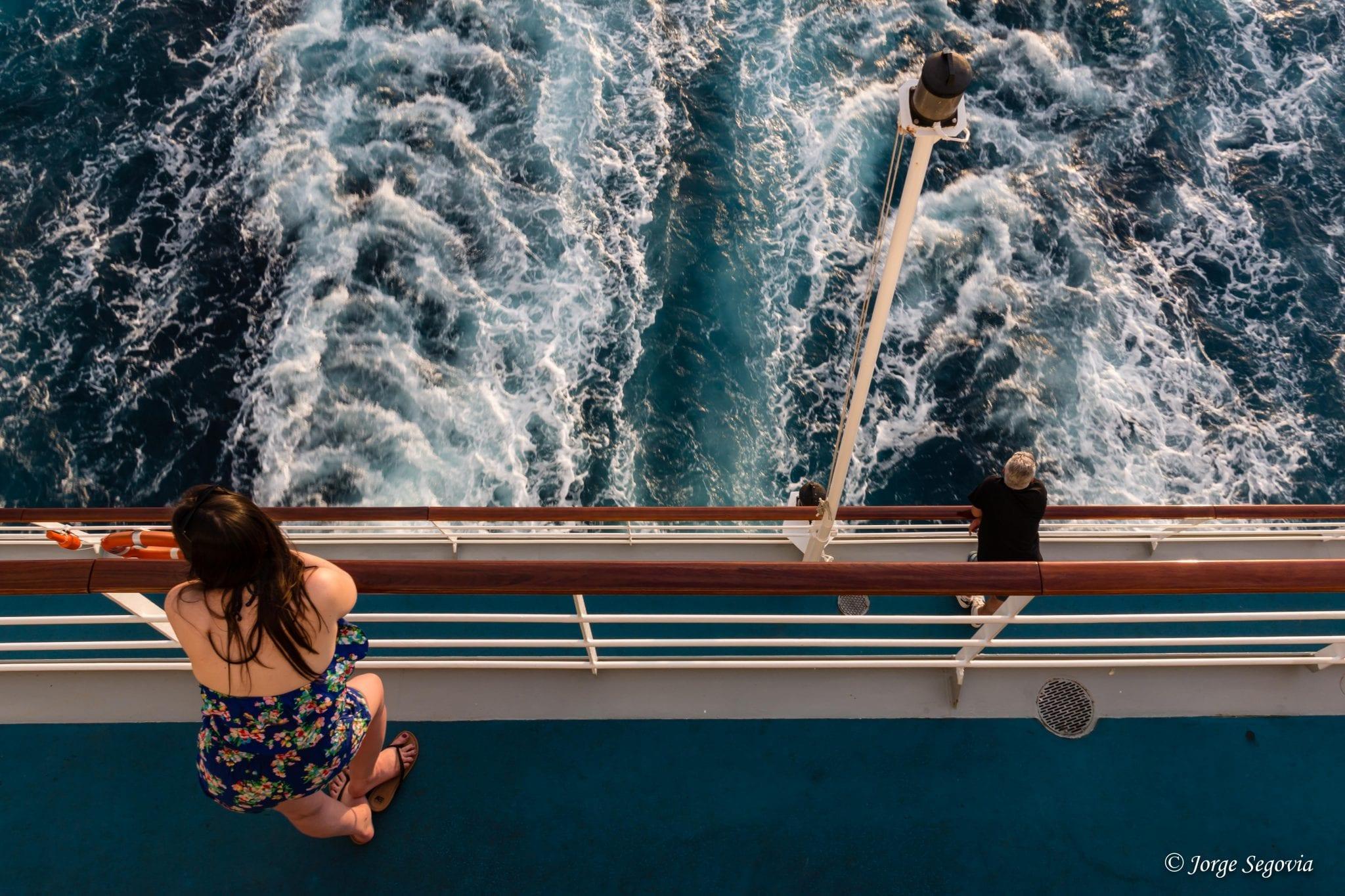 Mirando por la borda