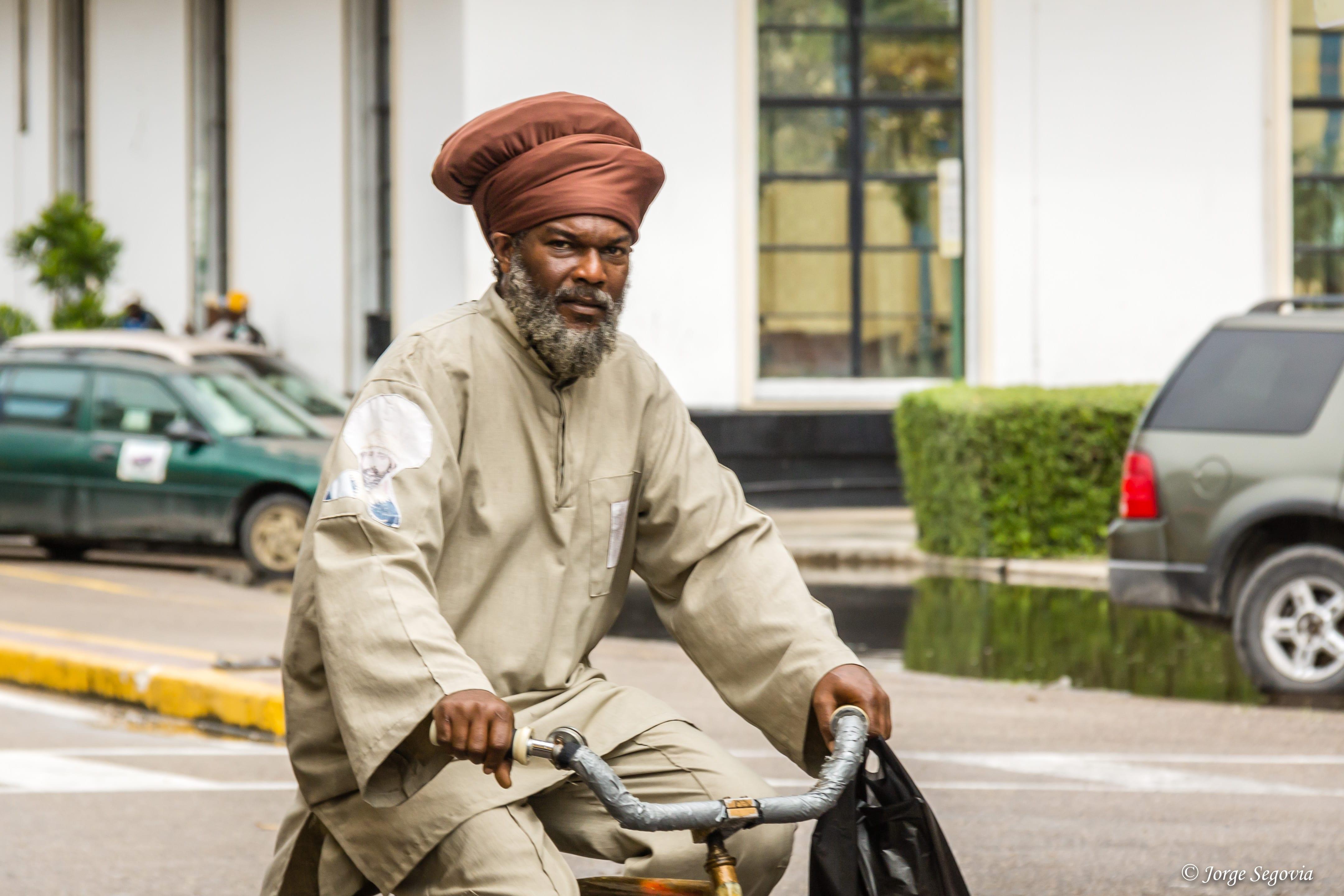 """Ciclista en """"Belize City"""""""